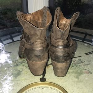 Rocket Dog Shoes - Brown ankle cowboy style booties- 8.5